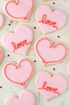 Valentines-Day-Cutout-Cookies3
