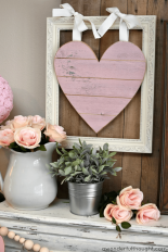 Valentines-day-mantel